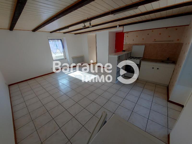 Location : appartement T2,42 m², à SAINT POL DE LEON CENTRE VILLE