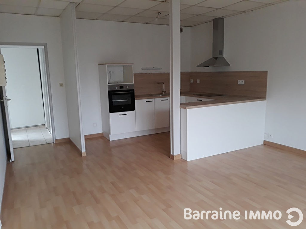 A  LOUER  CLEDER  BOURG  Appartement  T2  48.33 m2