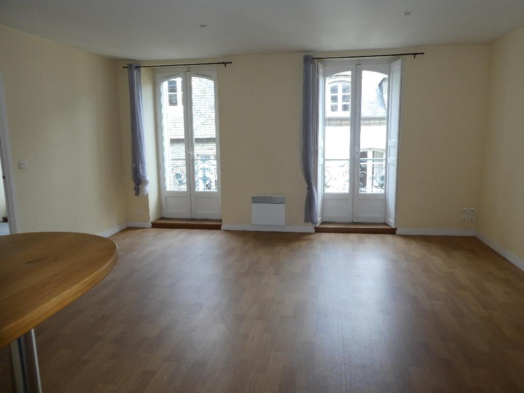 Appartement 2 pièces (57 m²) en location à MORLAIX