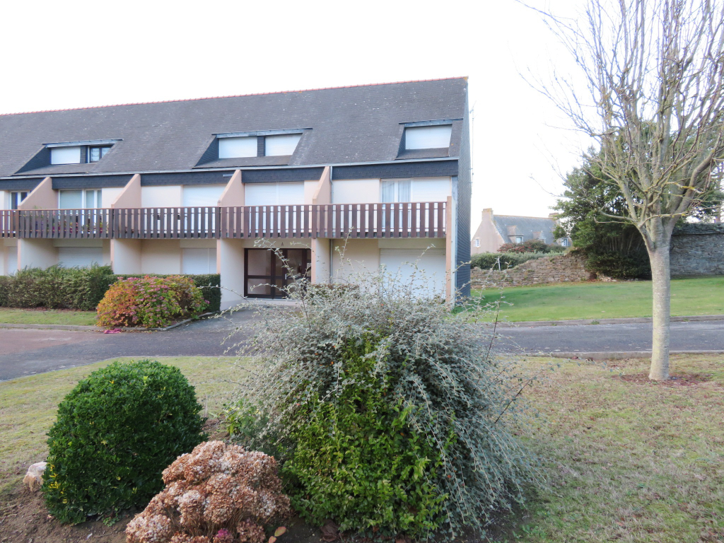 A VENDRE  ROSCOFF  CENTRE VILLE  APPARTEMENT  DUPLEX  T4  80.46m²  2 TERRASSES  1 PLACE DE PARKING