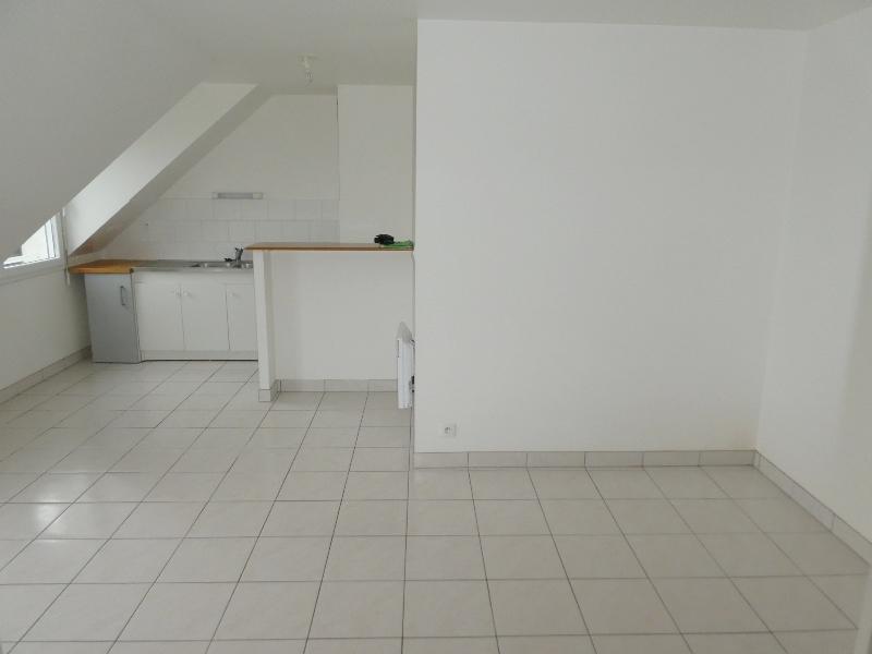 A  LOUER  ST  POL  DE  LEON  CENTRE  VILLE  APPARTEMENT  T2  -  37.10 m²