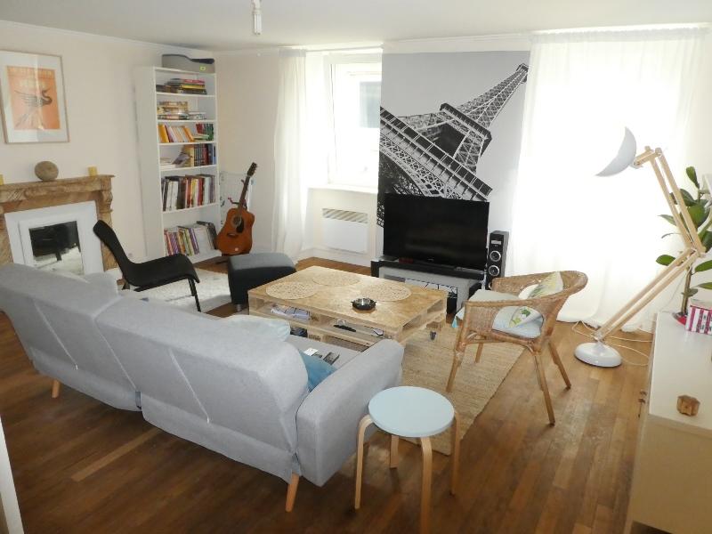 A  LOUER  ST  POL  DE  LEON  RUE  PIETONNE  APPARTEMENT TRIPLEX  T3  - 82.75 m²