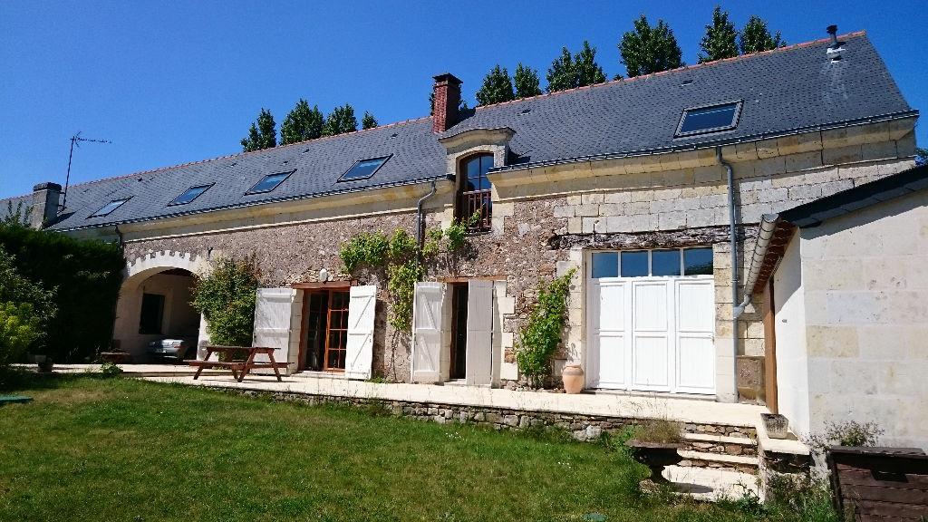 Proche St Rémy/Blaison Grange rénovée