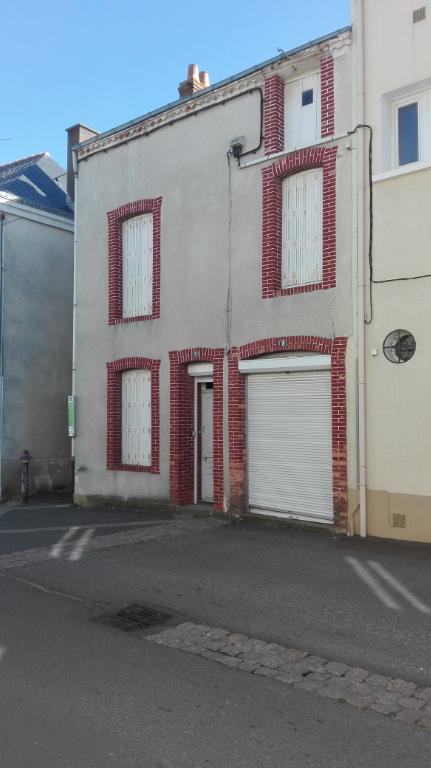 Maison Jallais 6 pièce(s) 120 m2