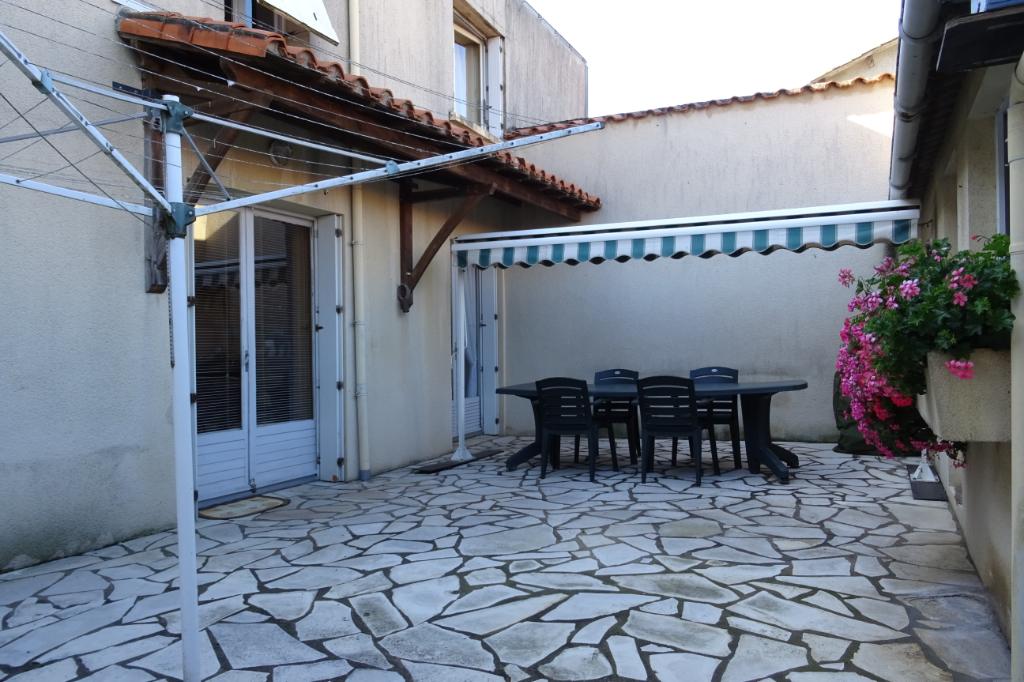 Maison St Georges Des Gardes 7 pièce(s) 189 m2