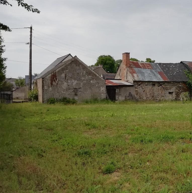 Terrain et Bâtiments à réhabiliter St Jean Des Mauvrets