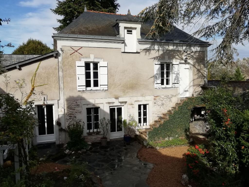 Maison de Ville 161 m² - St Jean des Mauvrets