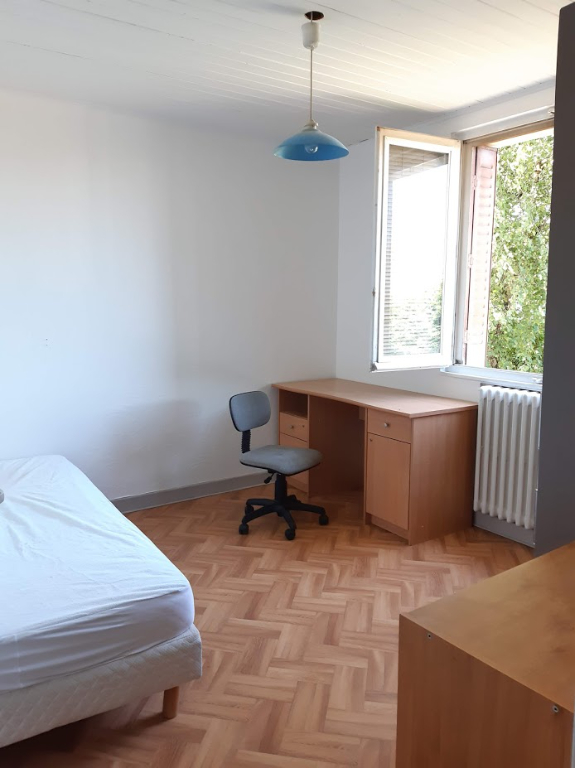 Chambre meublée , dans résidence partagée , secteur écoquartier Les fins