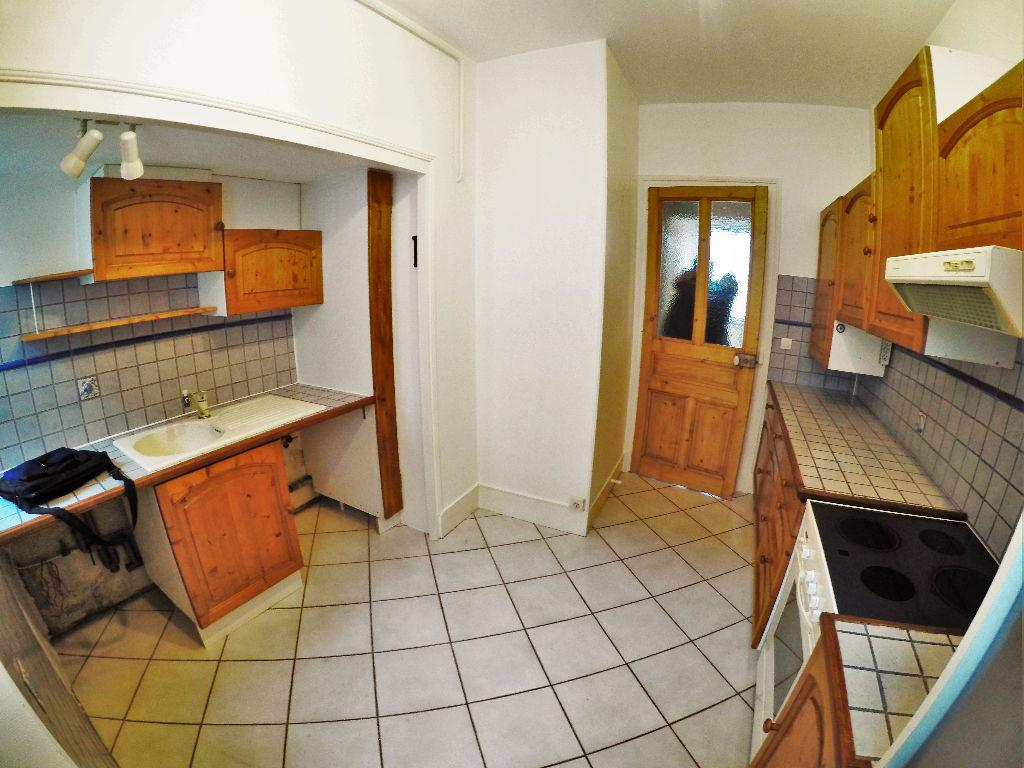 Appartement 3 / 4 pièces - 74 m² -  ANNECY centre