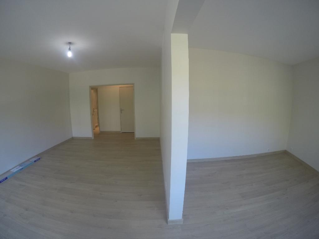 T3 - Parfait état - 82 m² - ANNECY + cave  et parking aérien