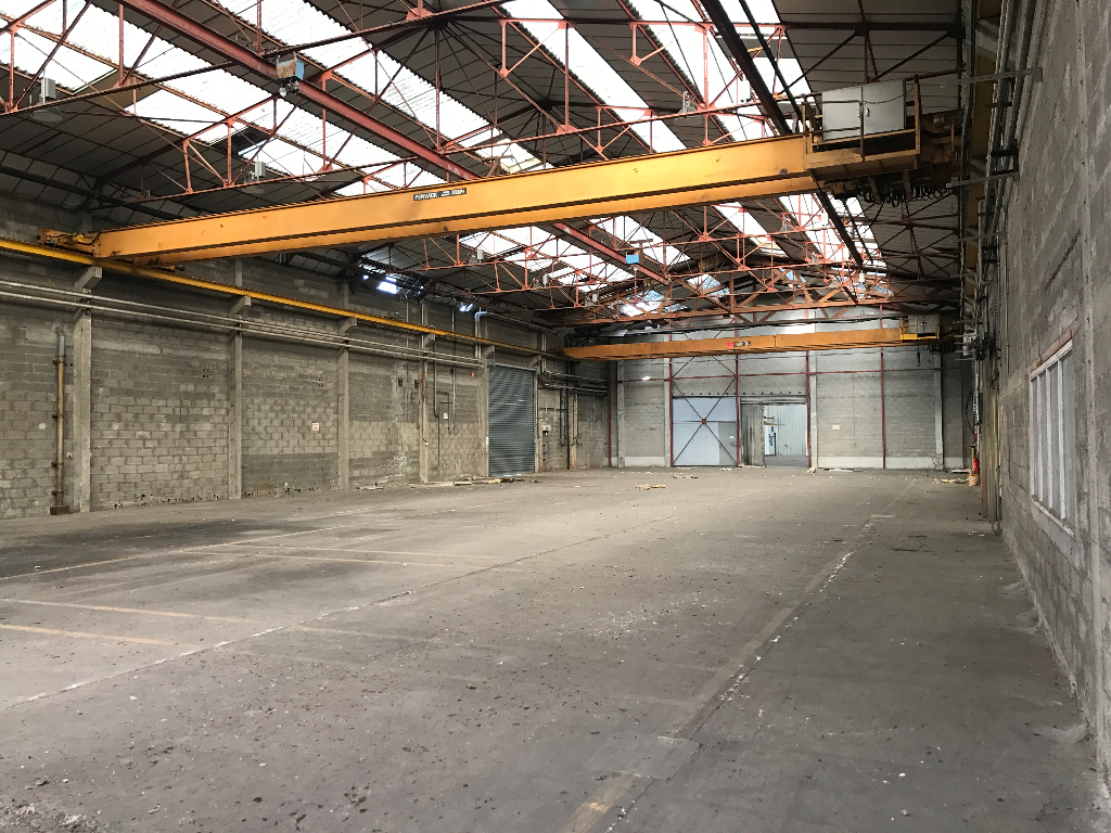 Entrepôt / local industriel  1000 m2