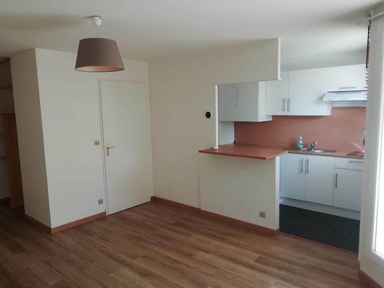 APPARTEMENT GUYANCOURT - 1 pièce(s) - 32 m2
