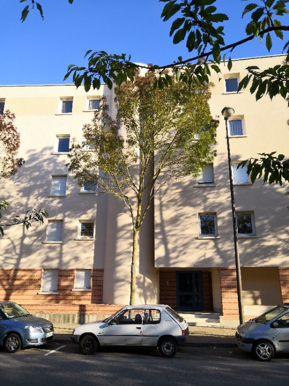 APPARTEMENT GUYANCOURT - 1 pièce(s) - 31 m2