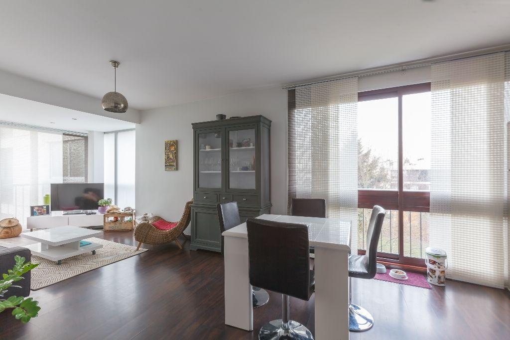 Appartement Fontenay Le Fleury 3 pièce(s) 58 m2