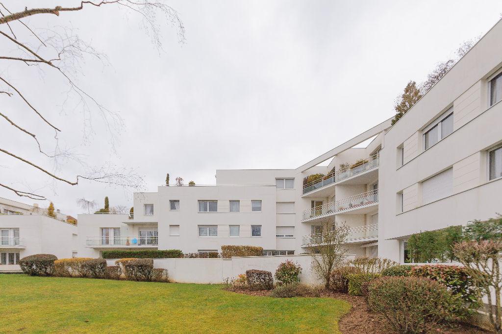 APPARTEMENT MONTIGNY LE BRETONNEUX 3 pièce(s) 72 m2 - Exclusivité !