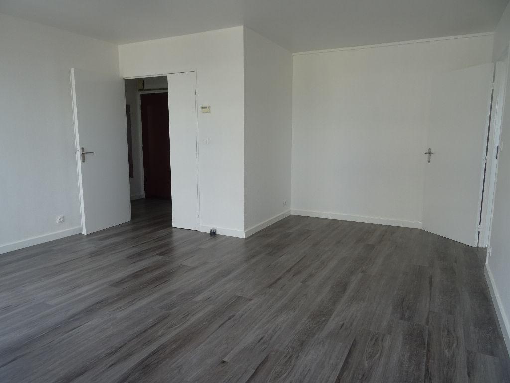 Appartement Montigny Le Bretonneux 2 pièce(s) 49.56 m2
