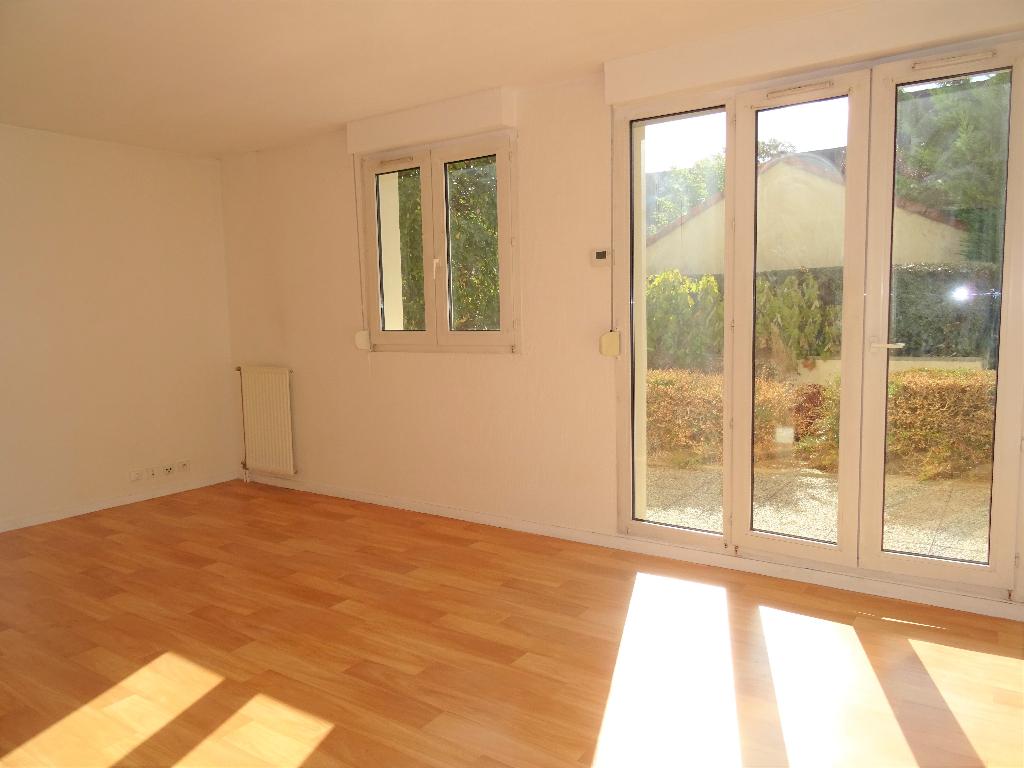 Appartement Montigny Le Bretonneux 1 pièce(s)