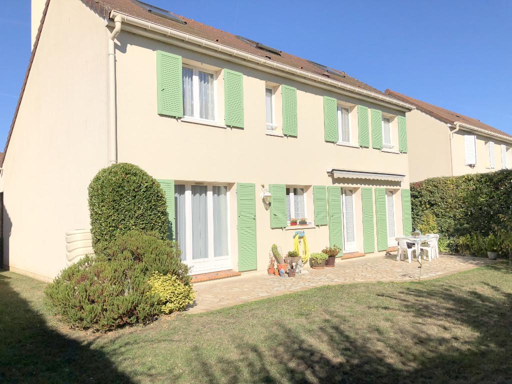 Maison Voisins Le Bretonneux 8 pièce(s) 175 m2