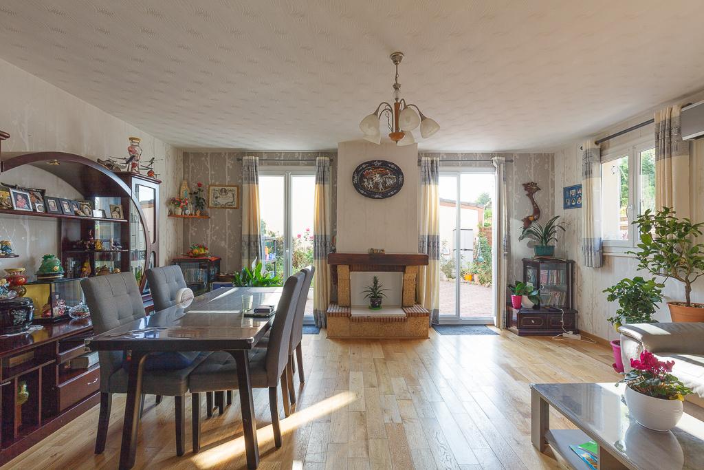 Maison Voisins Le Bretonneux 5 pièce(s) 88.17 m2