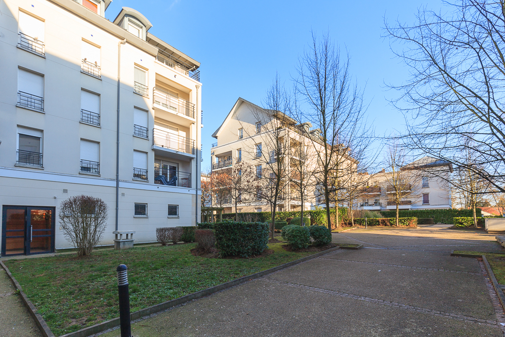 Appartement Guyancourt 2 pièce(s) 46 m2