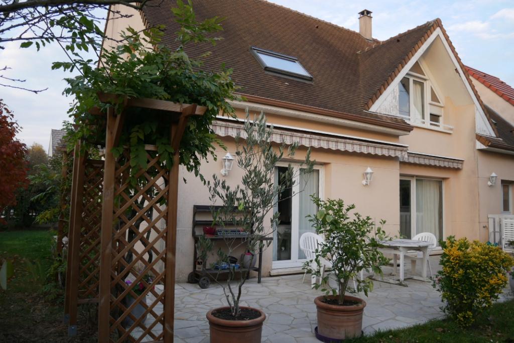 Maison Saint Remy Les Chevreuse 7/8 pièce(s) 180 m2