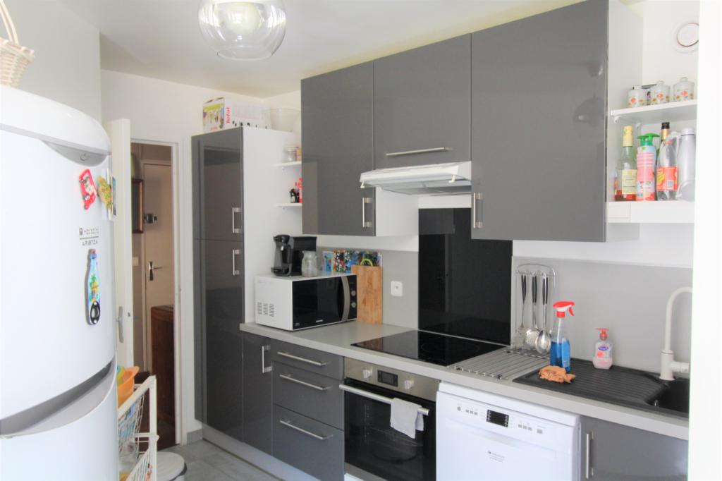 Appartement Montigny-le-Bretonneux , Les Prés , 3 pièce(s) 75.71 m2