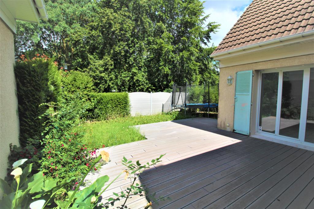 Maison Voisins Le Bretonneux 7 pièce(s) 124 m2 hab + 24m2 utile - Terrain de 246m2
