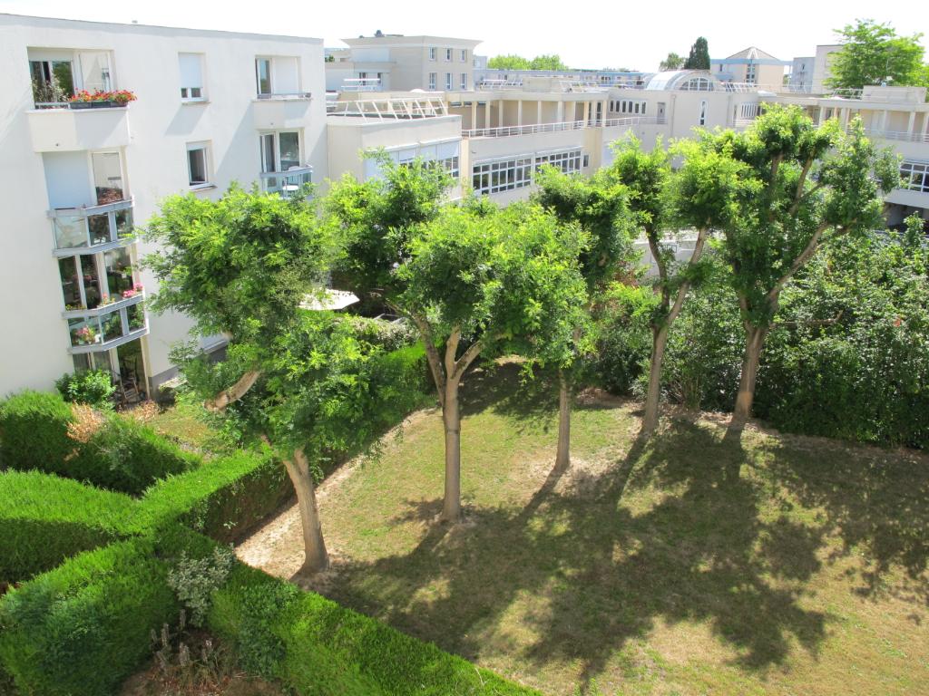 Appartement Montigny Le Bretonneux 1 pièce(s) 34.10 m2