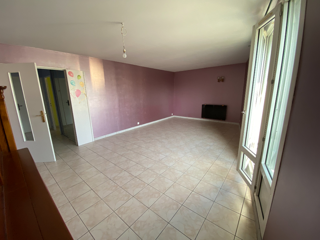 Appartement Montigny Le Bretonneux  4 pièce(s) 79.90 m2