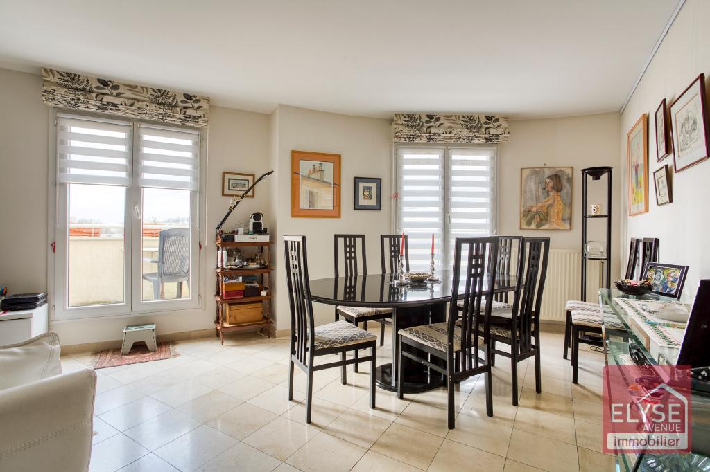 Appartement Montigny Le Bretonneux 7 pièce(s) 151.20 m2