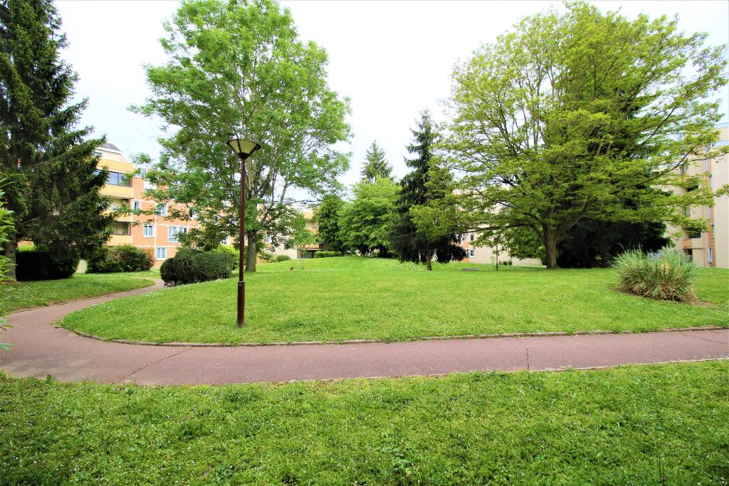 Appartement Guyancourt 5 pièce(s) 103 m2