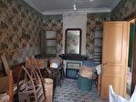 Maison d'environ 110 m² à rénover avec une cours