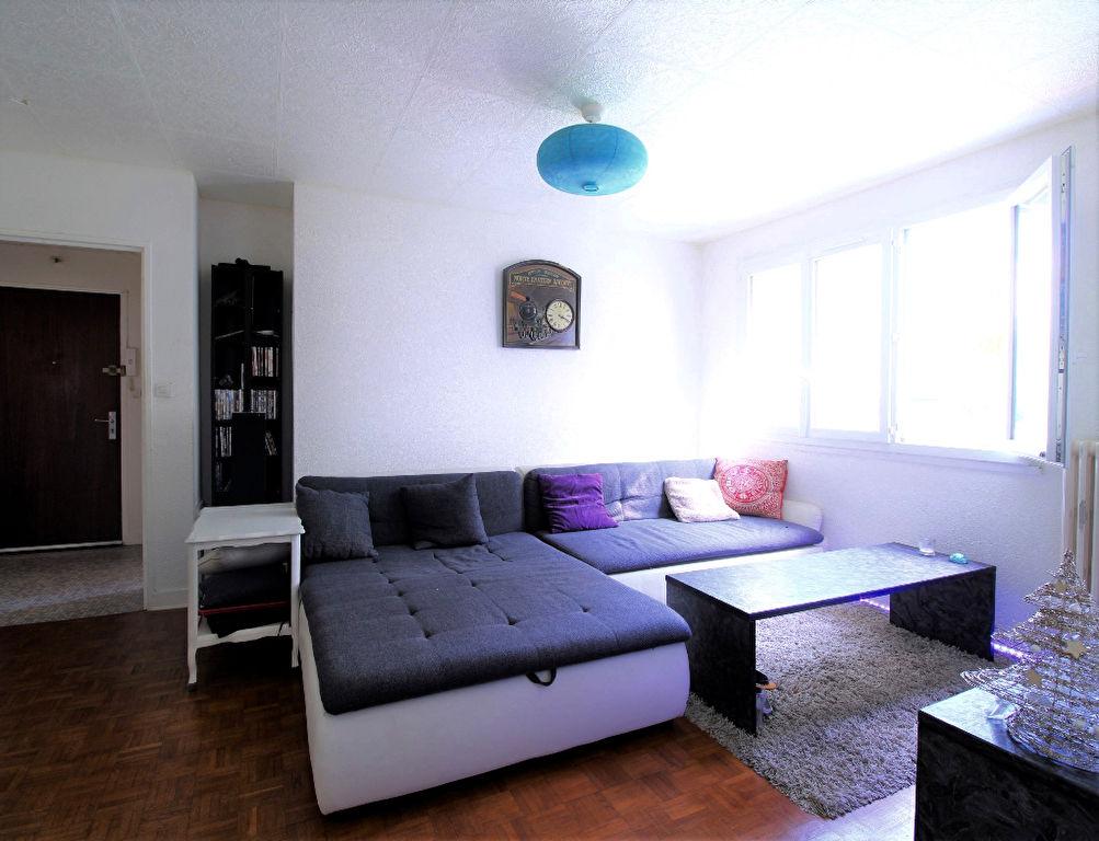 Appartement Bourgoin-Jallieu 3 pièces 61m2