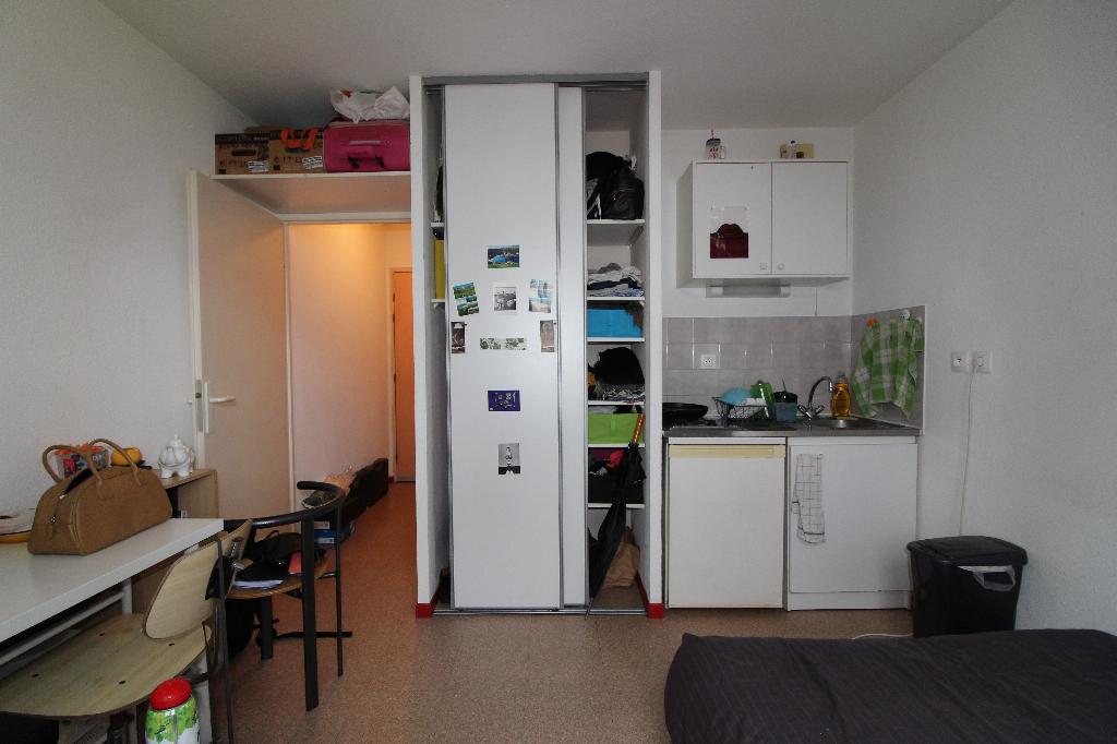 Studio de 18 m² LYON 8,  ,idéal investisseur 110 000 €
