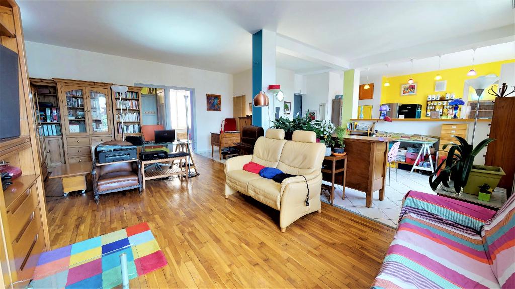 EXCLUSIVITE PIETRAPOLIS - PROCHE MONPLAISIR- Appartement T3 possible T4 de 122m² avec cave et balcon.