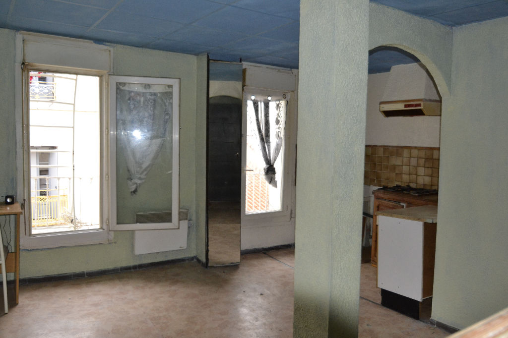 SETE: Appartement   T2 35 m² env. a rénover entièrement